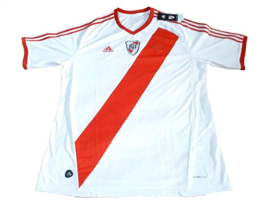 Camiseta River Adidas sin Publicidad