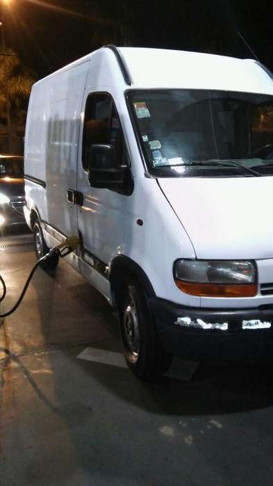 RENAULT MASTER 2004 IMPECABLE PERMUTO