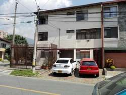 Edificio En Venta En Medellin Estadio Cod. VBMER196119