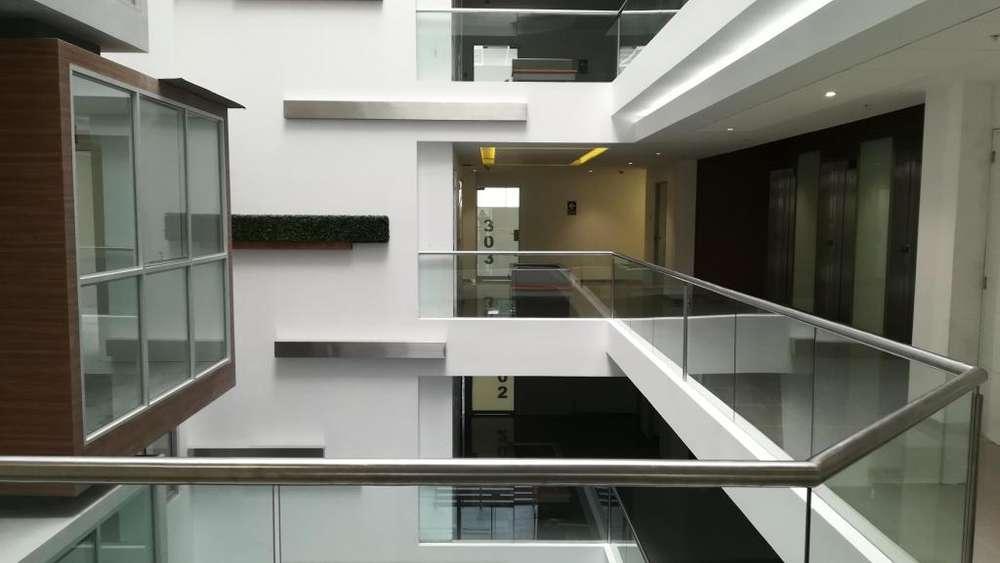 Últimas oficinas de 85 m2 en venta, de estreno, edificio empresarial con excelentes prestaciones.