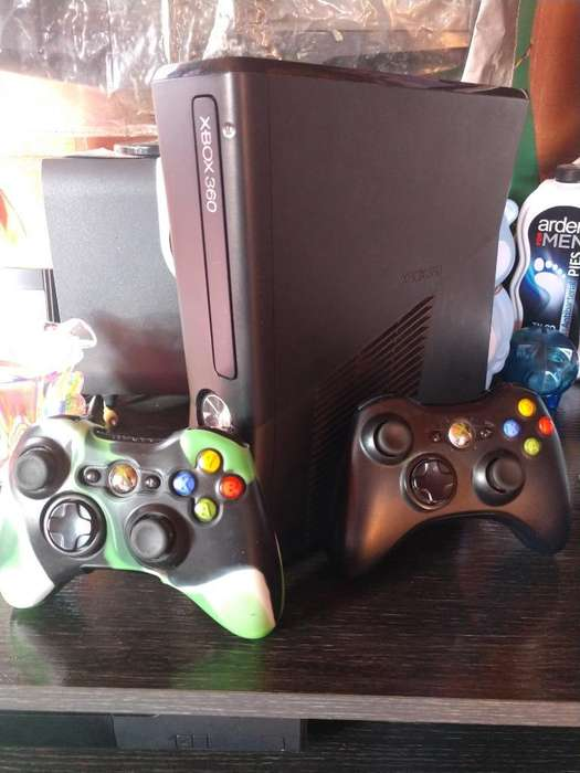 Vendo Xbox 360 Slim 5.0