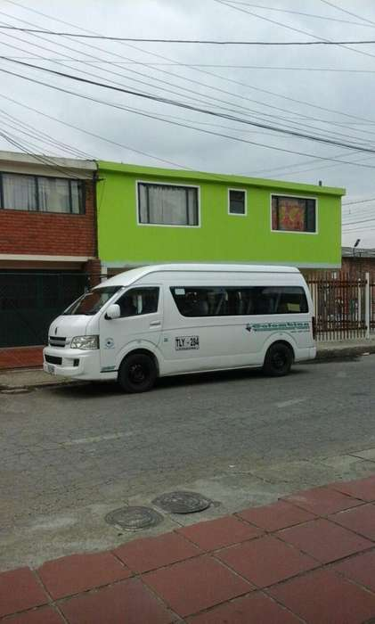 se ofrece buseta de 16 pasajeros para transporte o relevos