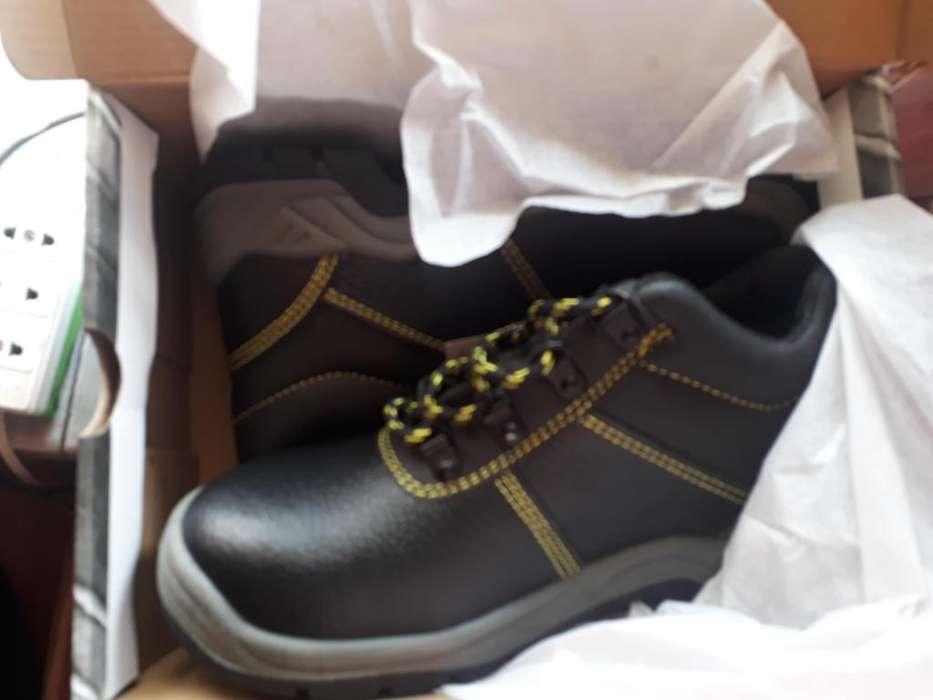 Venta de Zapatos punta acero