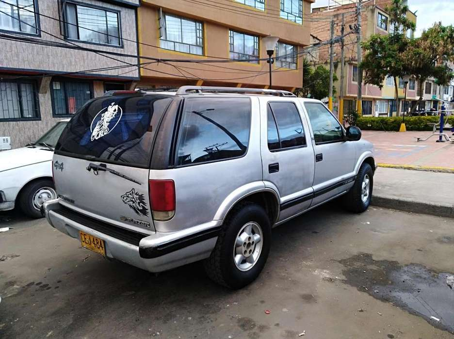 Chevrolet Blazer 1996 - 210000 km