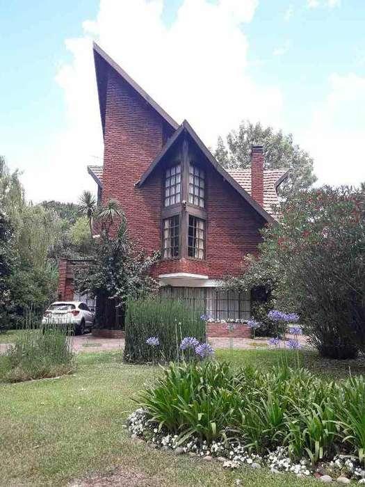 Casa en venta en Las Praderas de Lujan