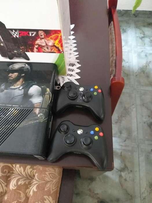 Vendo Xbox 360 con Disco Duro de 256 F