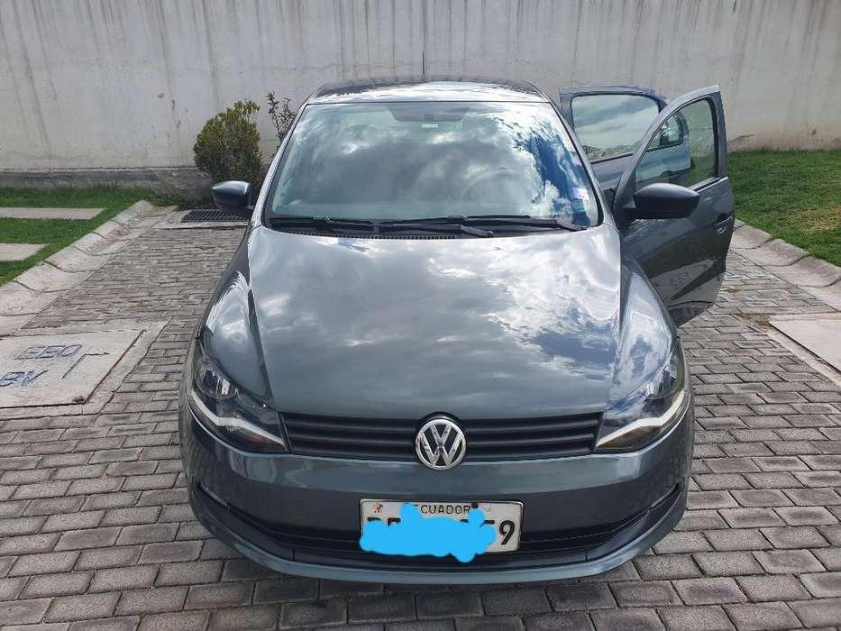 Volkswagen Voyage 2015 - 83000 km