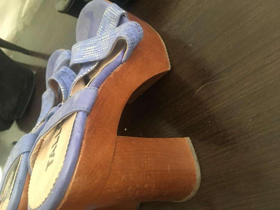 Sandalias color turquesa