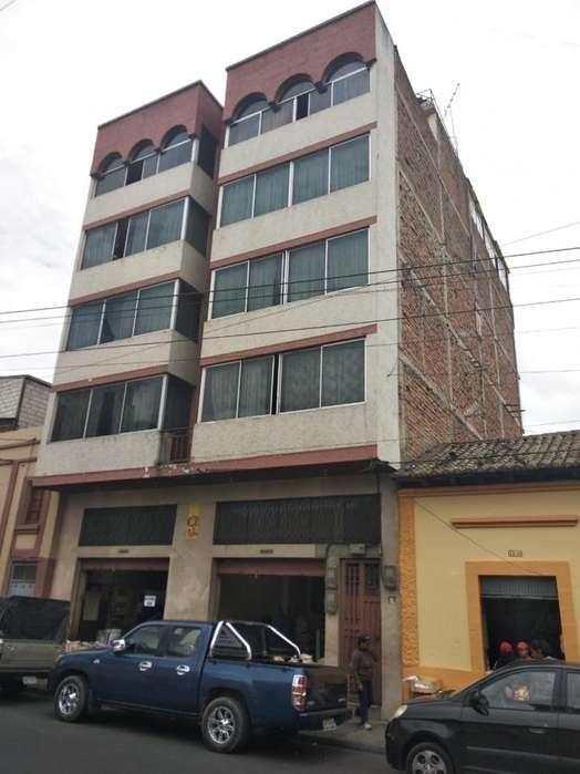 EDIFICIO EN EL CENTRO DE RIOBAMBA 340.000 OPORTUNIDAD LR1244