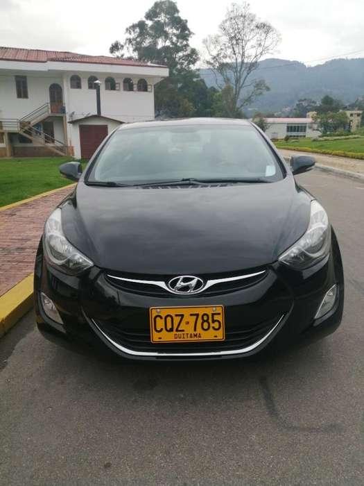 Hyundai Elantra 2012 - 72280 km