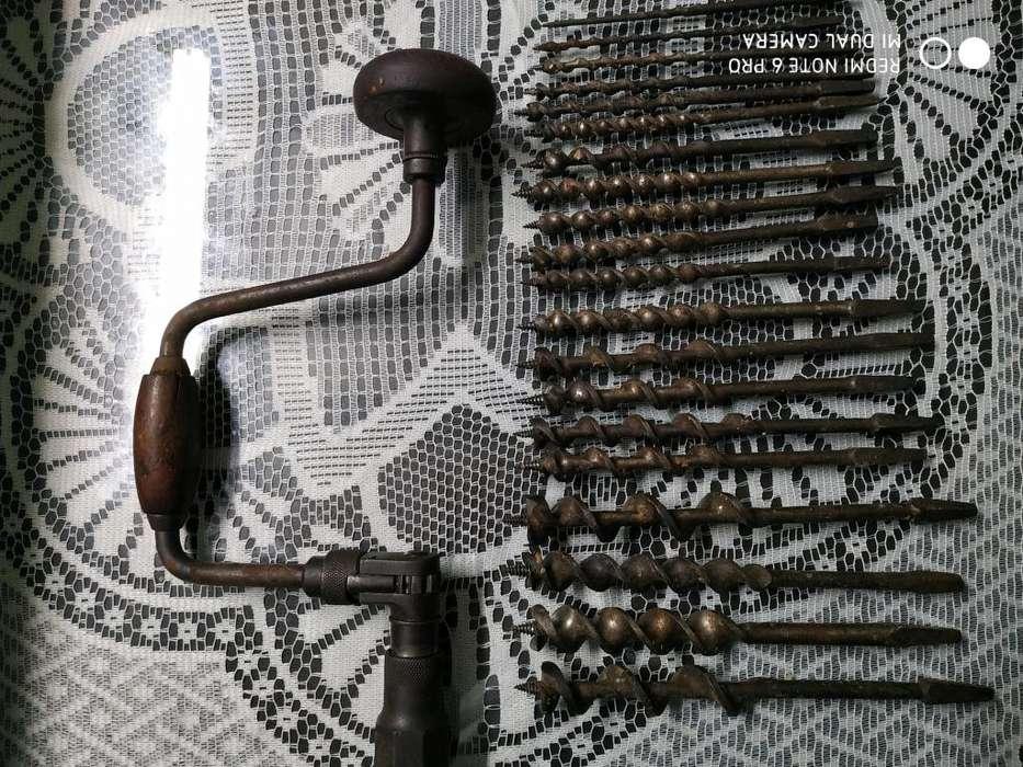 Berbiqui antiguo con juego de brocas