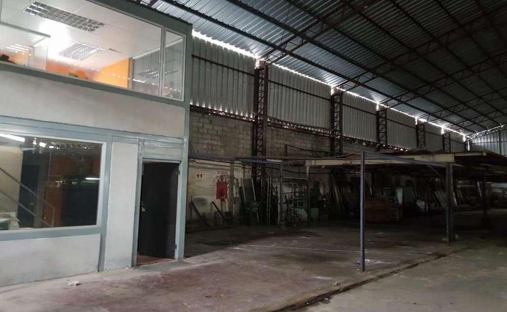 Calderón, galpón en arriendo, 1 ambiente, 750 m2