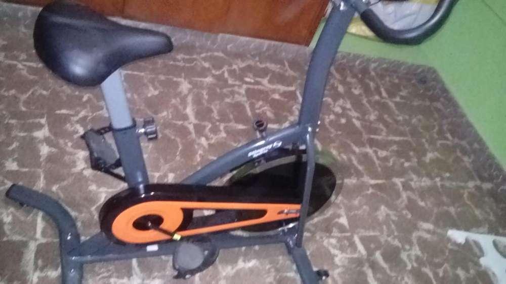 Vendo bici fija muy poco uso
