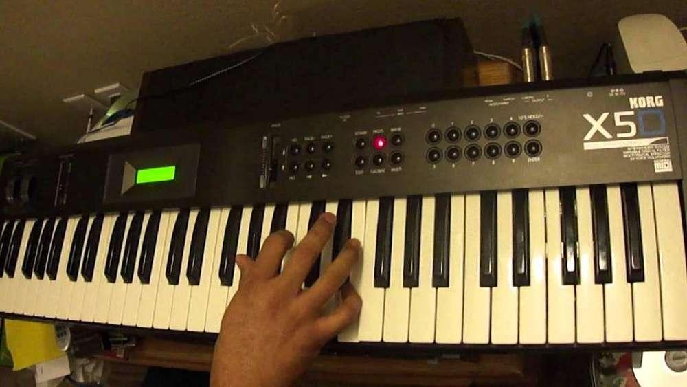 vendo de oportunidad teclado kord X5D SOLO INTERESADOS