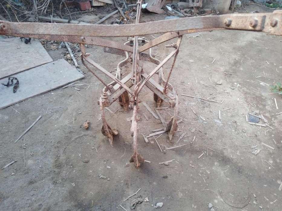 Antiguo Aradores de Campo