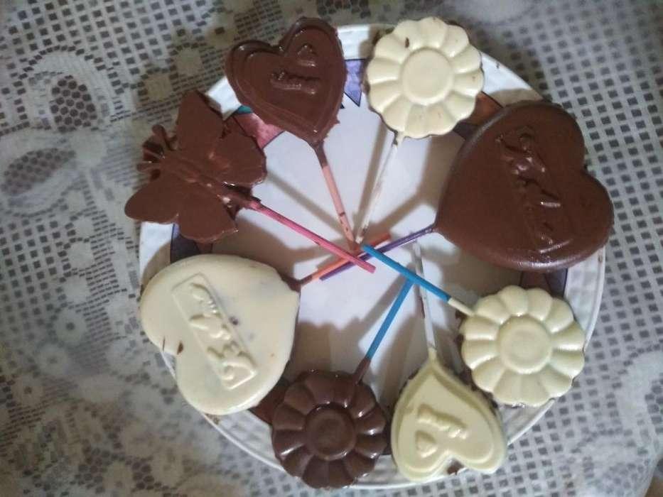 Chupetas de Chocolate Blanco Y Negro