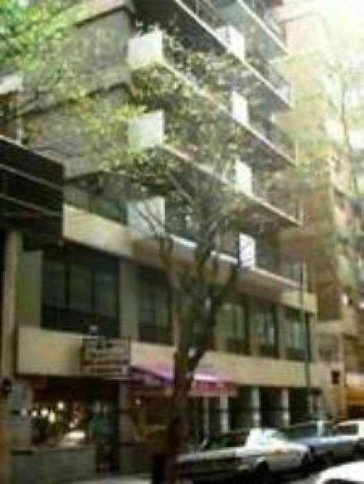 Dpto. 4 ambientes al frente con balcón a mts. de Av. Cabildo