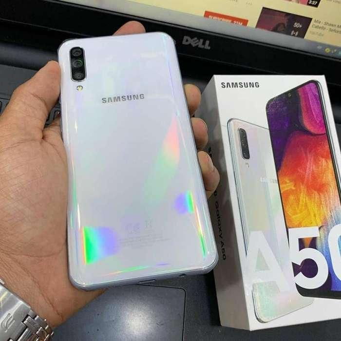 Celular Samsung A50 6.4'' 64gb/4gb Ram/ Vidrio 11d