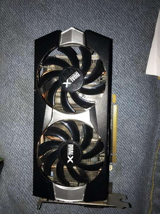 Placa de Video R7 370 en caja Original