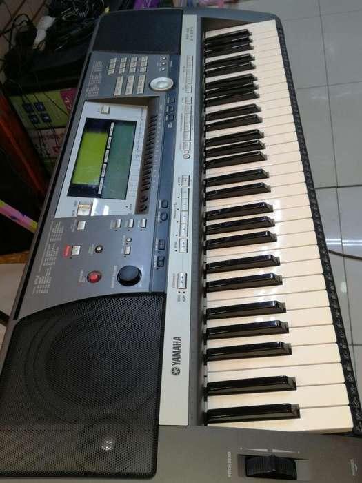 ORGANO ELECTRONIC PIANO YAMAHA PSR 640 DISKET SEMI NUEVO.