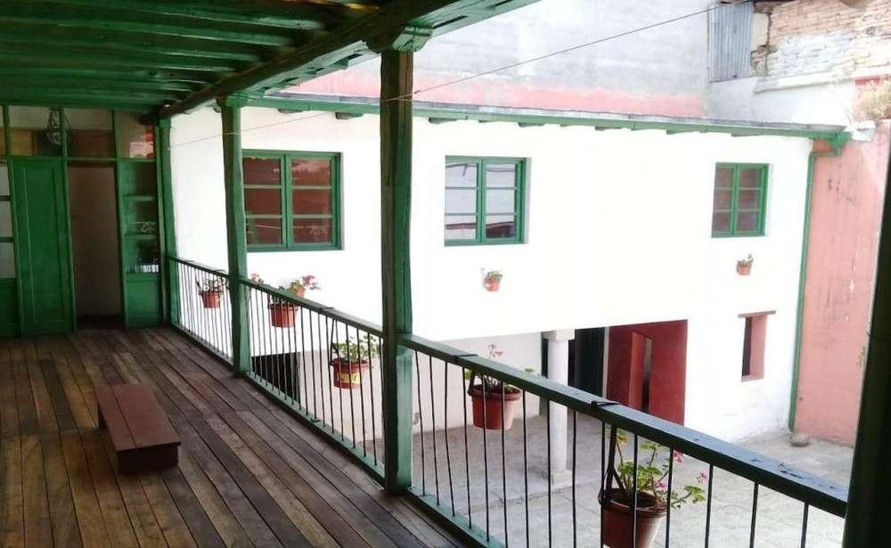 Centro Histórico, casa comercial esquinera de venta, 6 departamentos, 2 locales, 900 m2