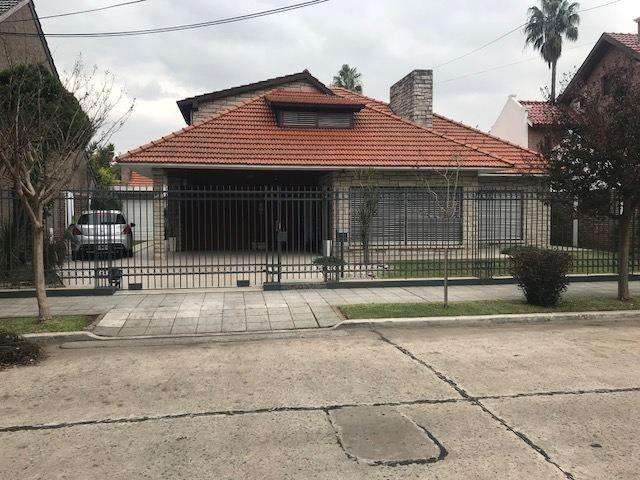 Casa en Venta en Barrio parque bernal, Bernal US 360000