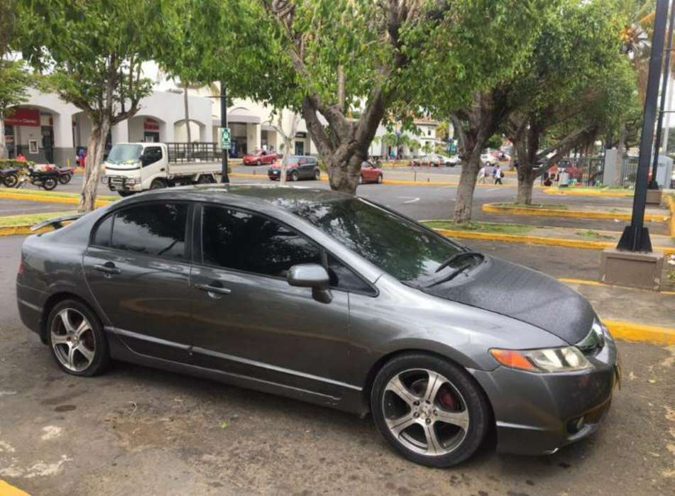 Honda Civic 2009 - 81000 km