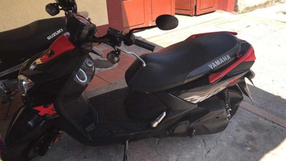 Se vende Moto Bwis x
