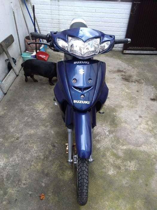 Vendo Moto Suzuki Best 2006
