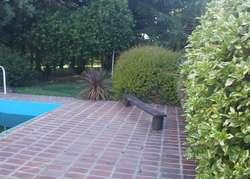Casa quinta con muy lindo entorno !!!!