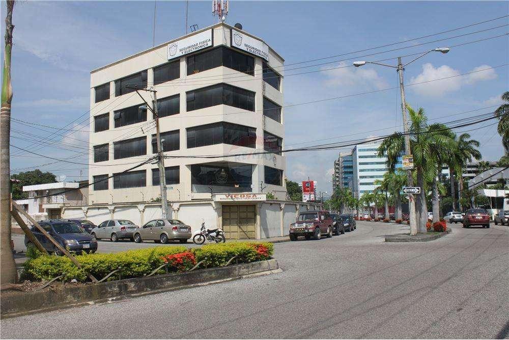 Venta de Edificio Frente Al Aeropuerto, Norte de Guayaquil J. Zavala - P. Villegas