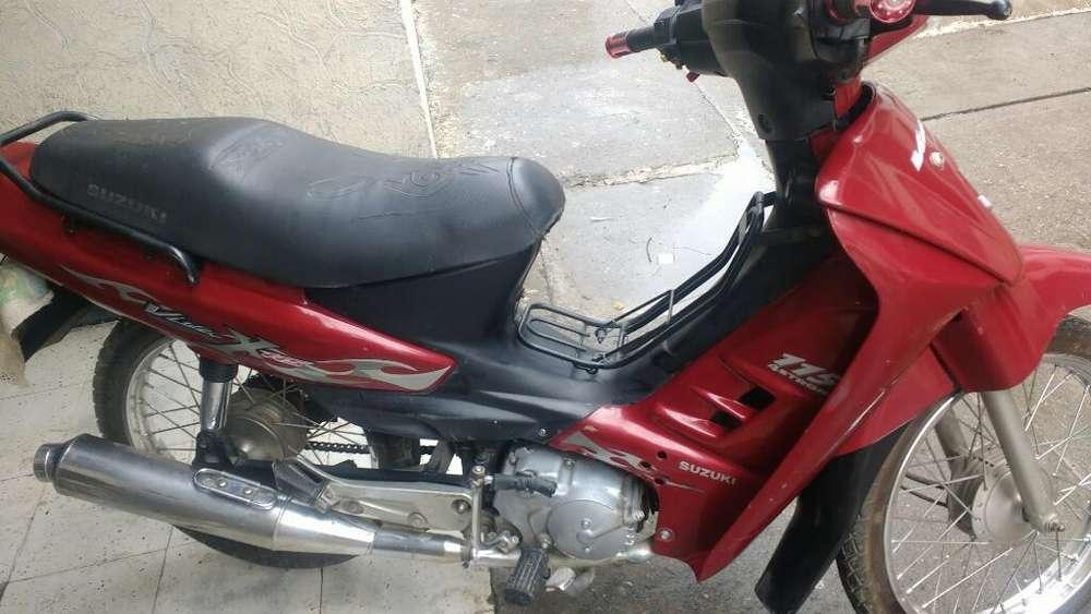 Moto Suzuki 2.006
