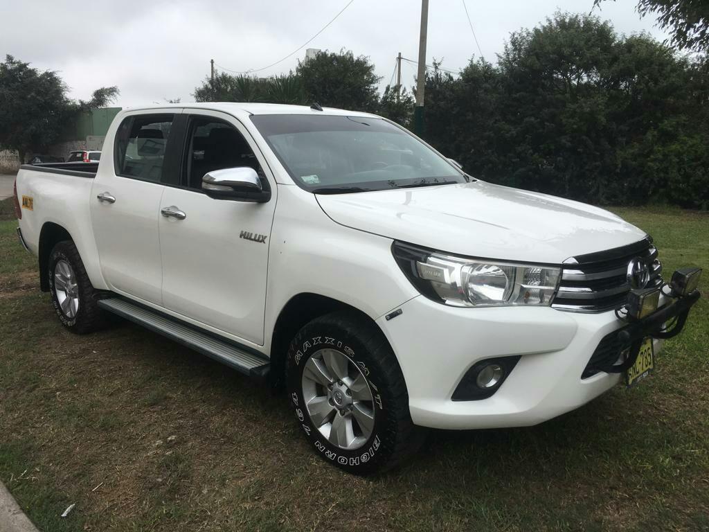 Toyota Hilux Srv 2016 fabricación