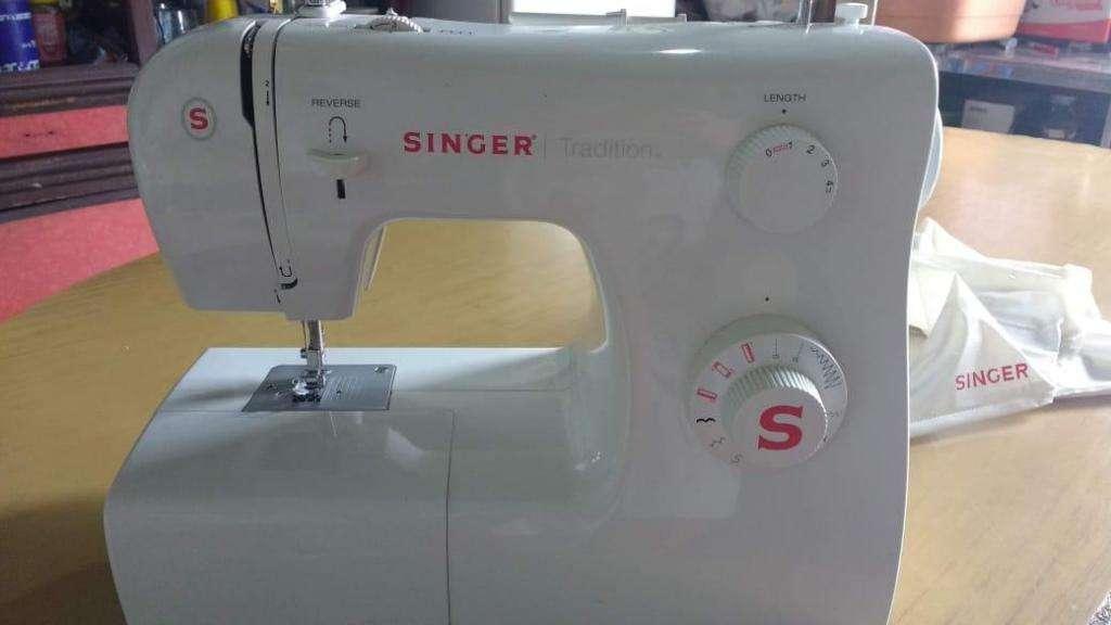 Mquina de coser Singer 2250