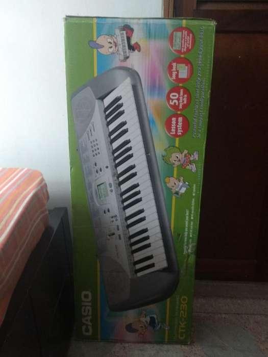Vendo Piano Casio Original