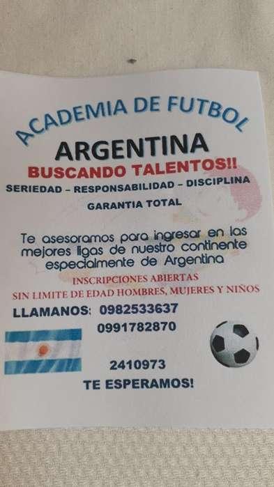 Escuela de Futbol Argentina en Ecuador