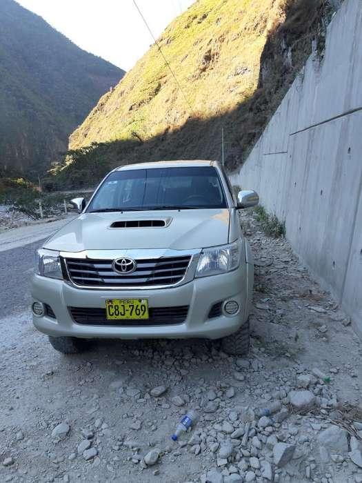 Toyota Hilux 2012 - 0 km