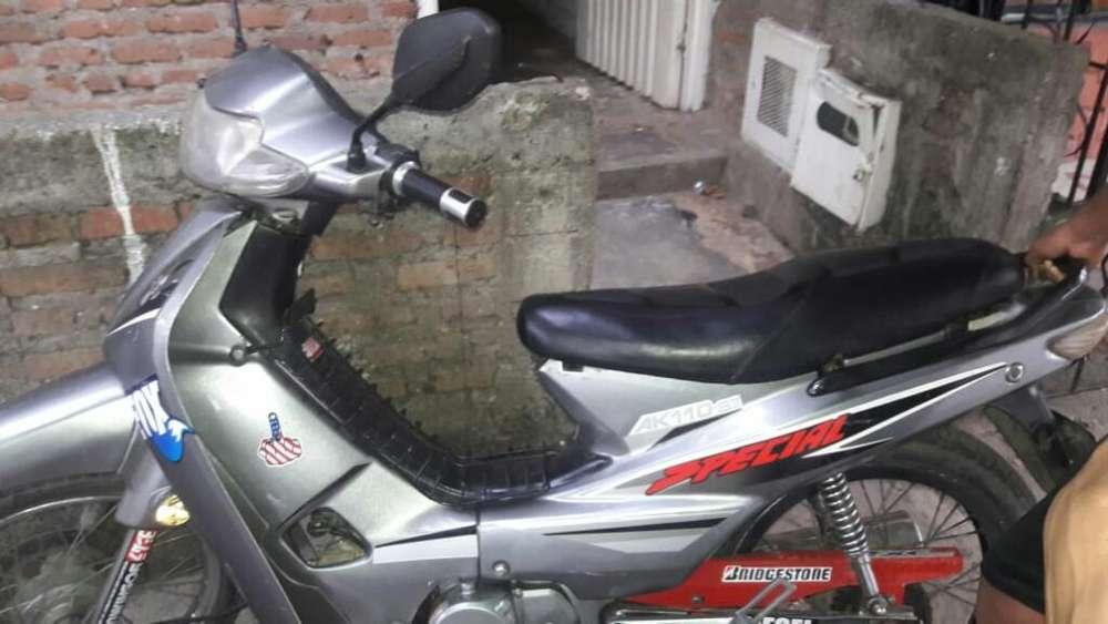 Vendo Hermosa Moto 2007 Akt 110