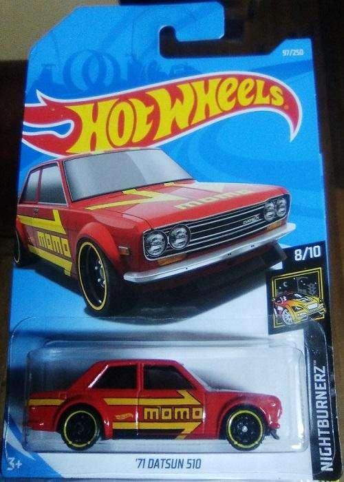 Hot Wheels '71 Datsun 510 Publicidad MOMO