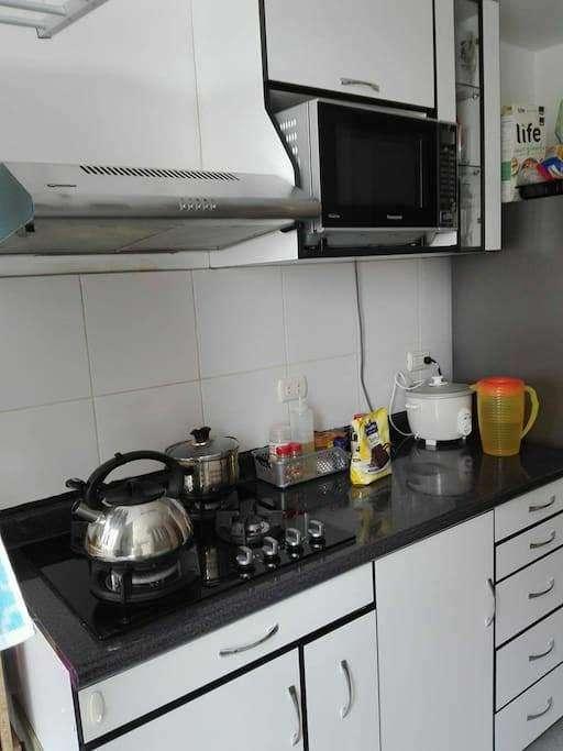 Alquilo Dpto Villa Bonita, Callao. Dpto 3 habitaciones, cocina equipada.