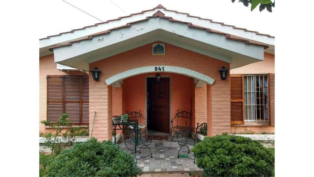 Merlo - Centro Chalet Impecable 2 Dorm -quincho T/los Servicios Gas - Lote 500 Mts - Excelente Estado De ...