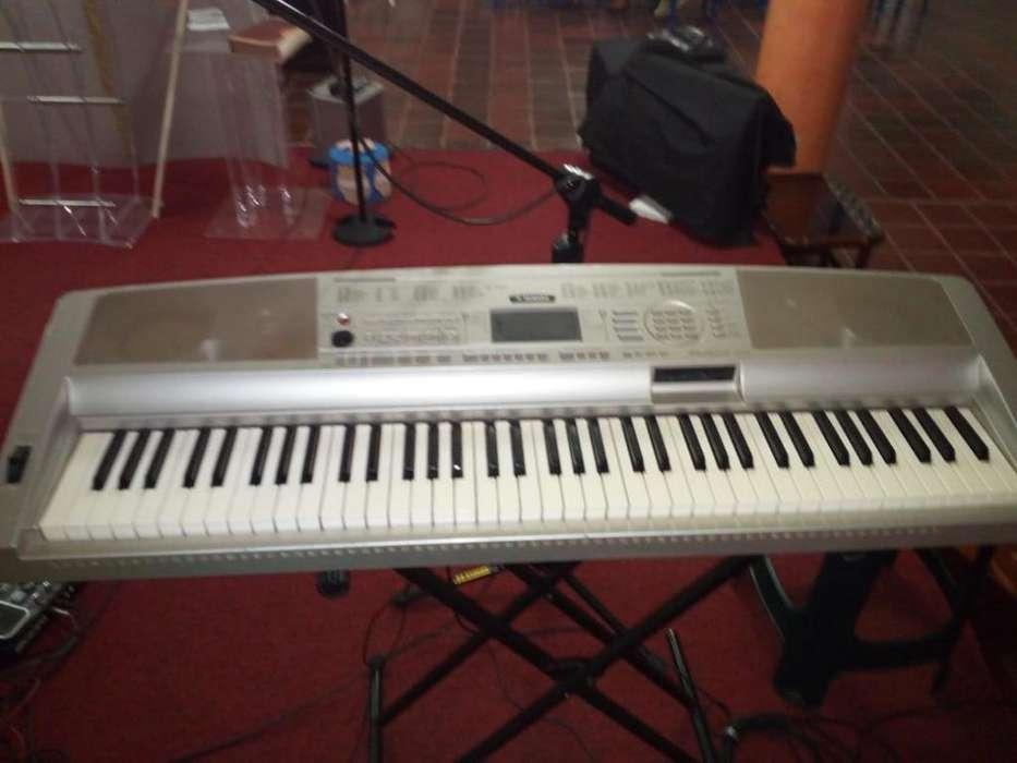 Vendo Piano Yamaha Dgx 300