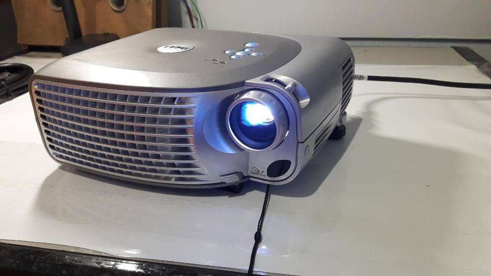 Proyector <strong>dell</strong> 1200mp videobeam con control y maleta