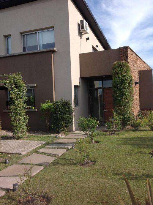 Duplex en venta en Fincas de Iraola Ii