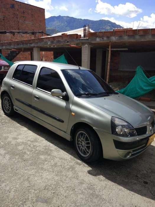 Renault Clio  2003 - 160000 km