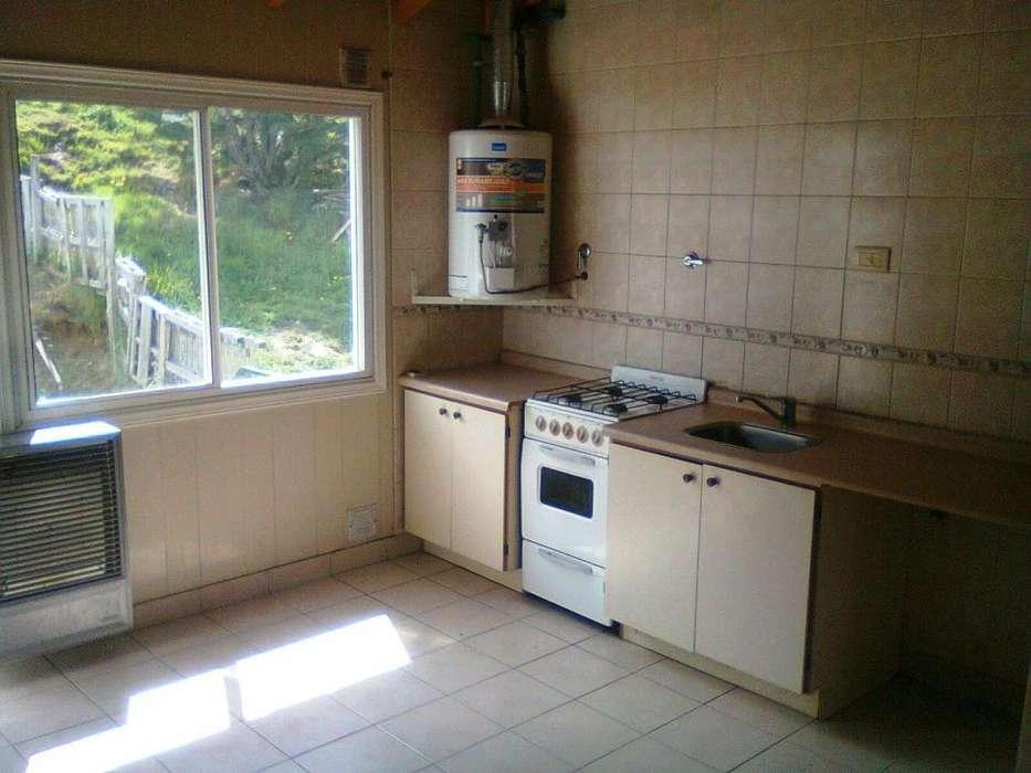 Dueño alquila departamento 2 dormitorios zona Alem y Don Bosco.