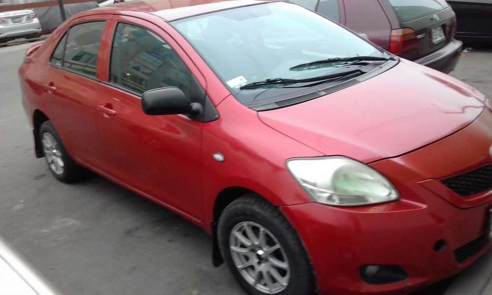 Toyota Yaris 2008 - 110000 km