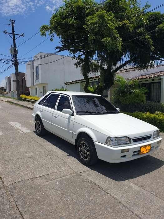 Mazda 323 2003 - 80000 km