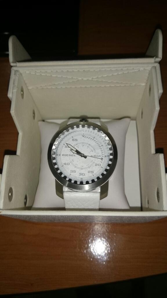 93438bc60395 Reloj Diesel Blanco - Guayaquil
