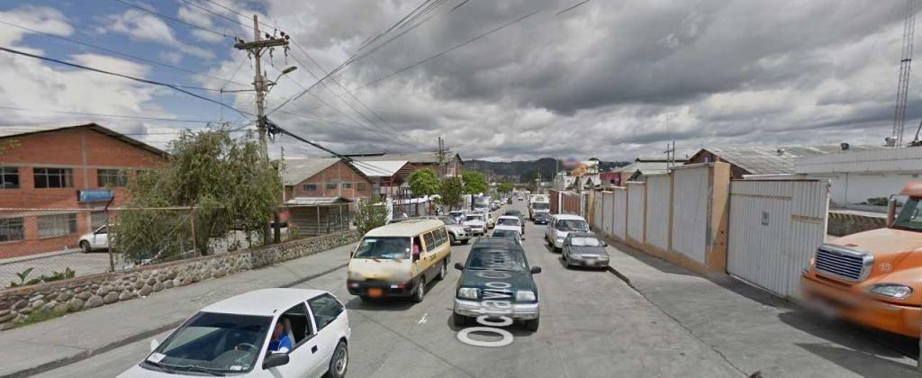nave de 525mts de terreno alto impacto Cuenca Ecuador